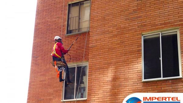 limpieza-de-fachadas-bucaramanga-torres-impertel-5